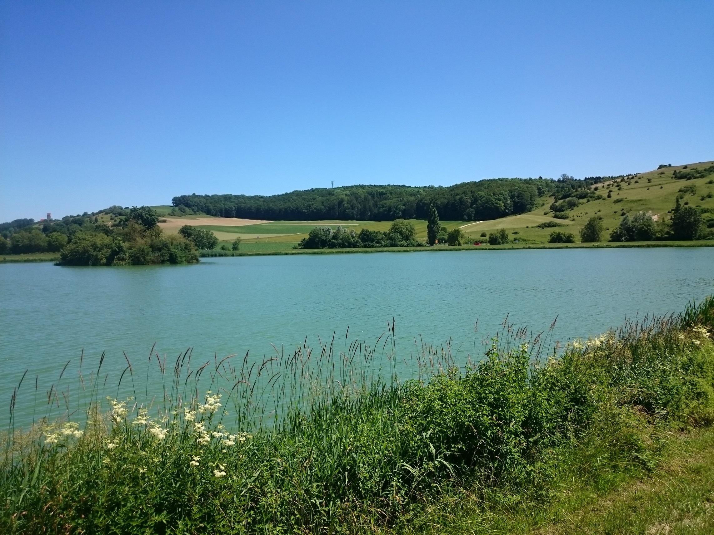 Der namensgebende Härtsfeldsee direkt neben dem Festivalgelände (von der Größe her eher ein Tümpel)...