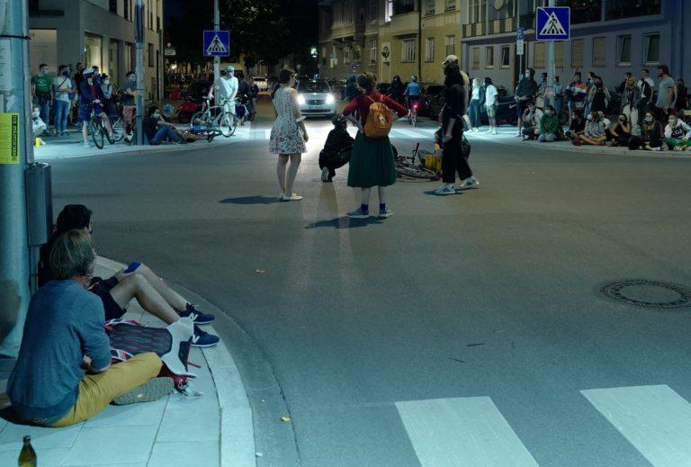 Schauspiel im Straßenverkehr